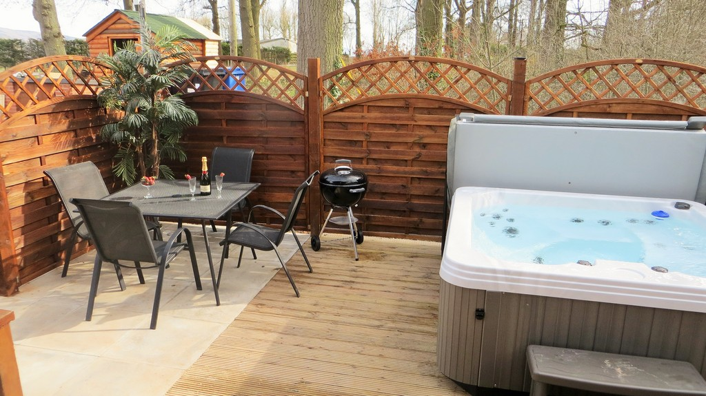 The Blacktail Hot Tub