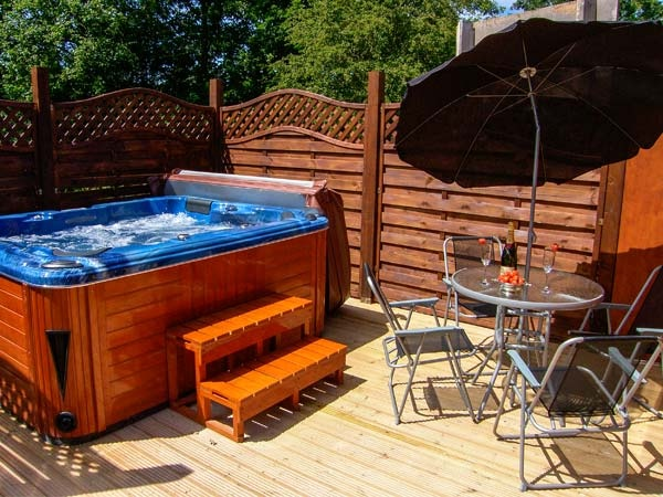 the fallows hot tub